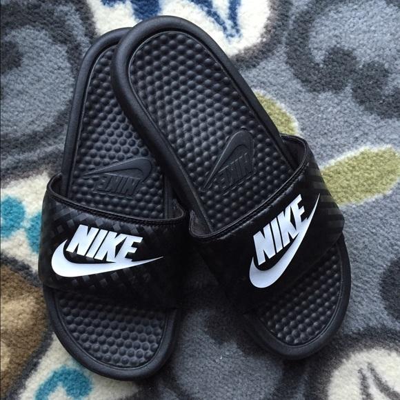 Nike Benassi Just Do It Womens Athletic